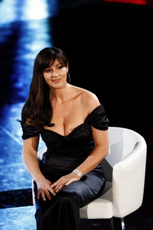 monica_bellucci_slip_9-450x675
