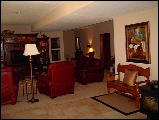 Family room and rec side 004