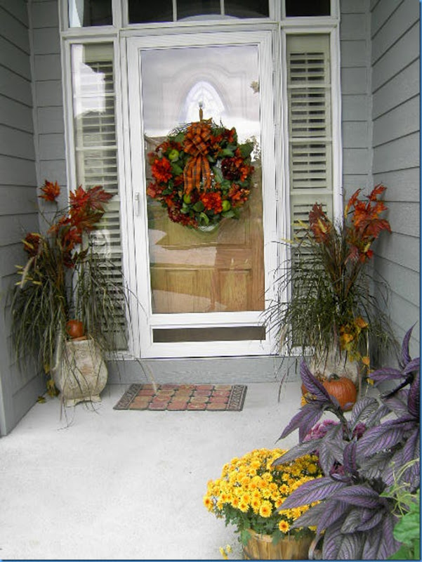 Fall Entry and Wreath 001