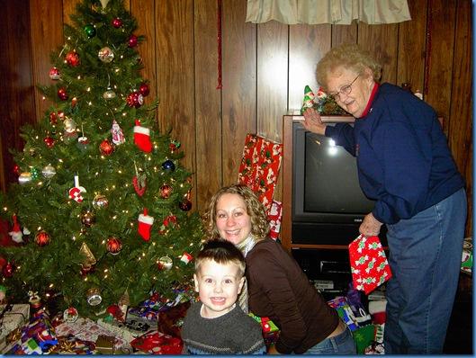 Christmas 2004 006