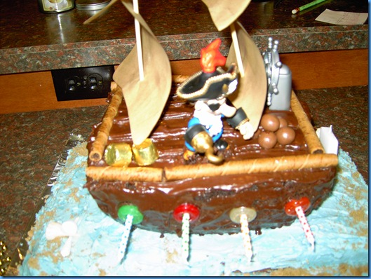 Christian's Pirate Cake 002