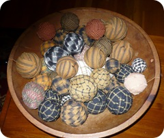 Homespun Rag Balls in Wooden Blow