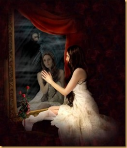 grav_mulher_olhando_espelho_e_vultom-256x300