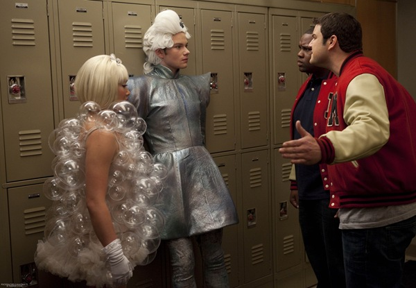 "GLEE: Tina (Jenna Ushkowitz, L) and Kurt (Chris Colfer, second from L) are approached by Karofsky (Max Adler, R) and Azimio (James Earl III, third from L) in the ""Theatricality"" episode of GLEE airing Tuesday, May 25 (9:00-10:00 PM ET/PT) on FOX. ©2010 Fox Broadcasting Co. CR: Adam Rose/FOX"