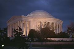 Jefferson_Memorial_at_dusk