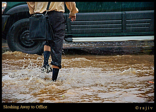 Sloshing Away to Office! © RajivKumar