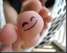 Happy_Toe_by_Grodden
