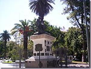 150px-Monumento_a_Sarmiento_en_San_Juan_Argentina_(EagLau--2008)