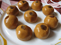 Besan Laddu