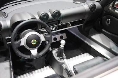 2011 Lotus Elise-05.jpg