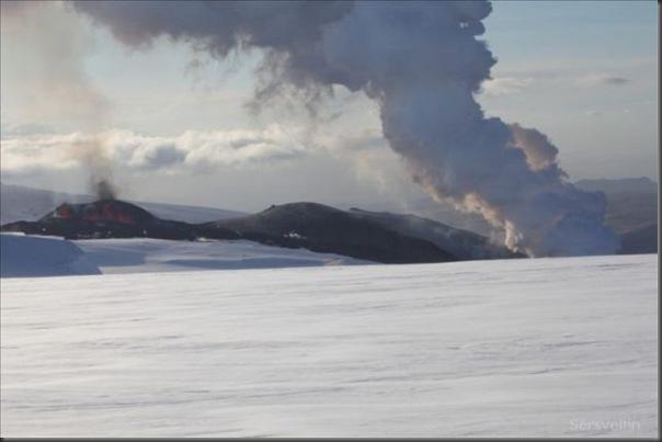 Uma erupção do vulcão islandês (1)