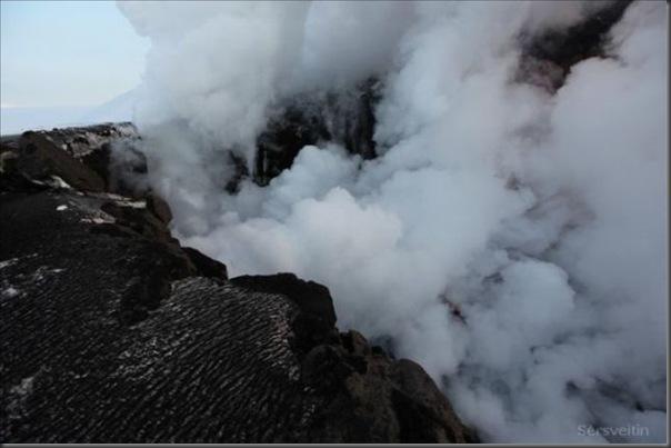 Uma erupção do vulcão islandês (5)