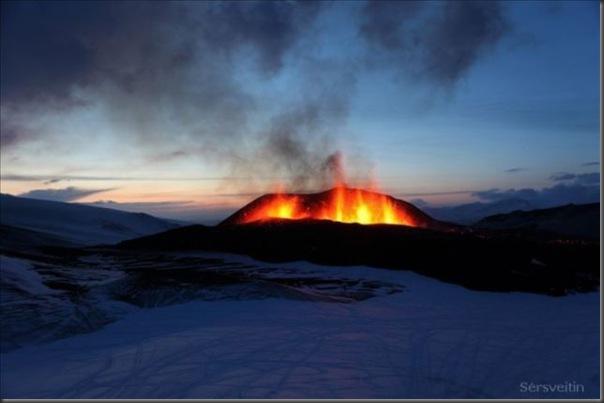 Uma erupção do vulcão islandês (11)