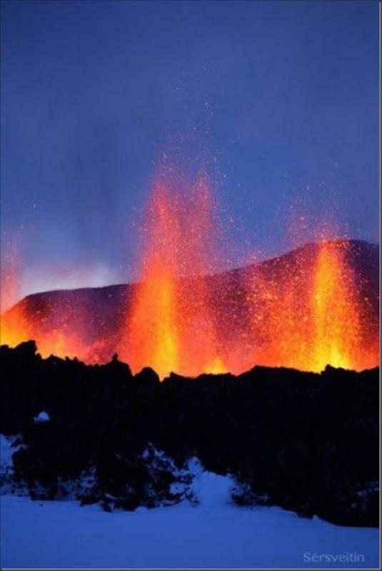 Uma erupção do vulcão islandês (27)