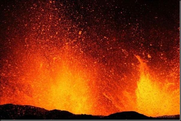 Uma erupção do vulcão islandês (17)