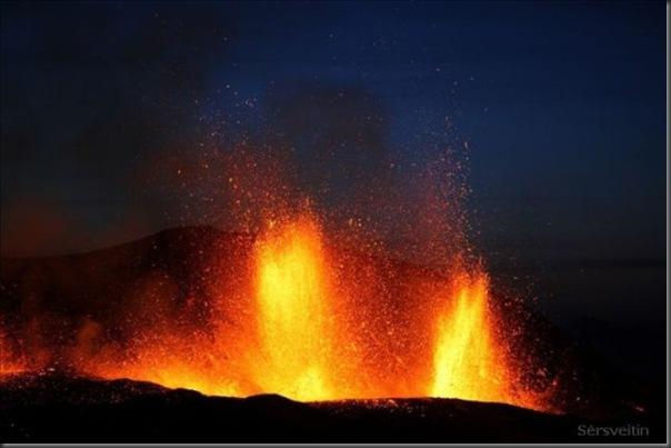 Uma erupção do vulcão islandês (16)
