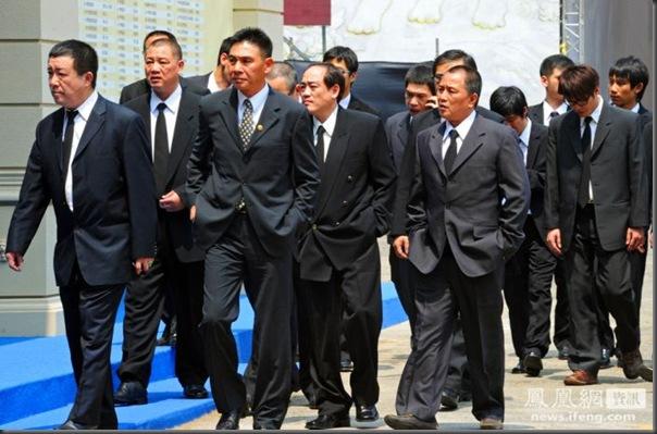 funeral de chefe de máfia de Taiwan (6)