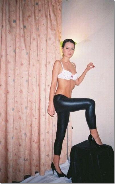Garotas com calças super apertadas (53)