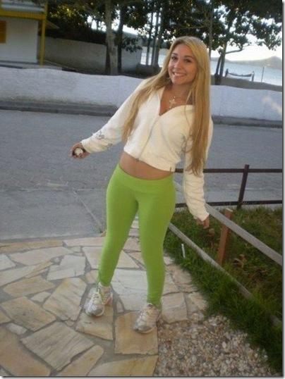 Garotas com calças super apertadas (50)