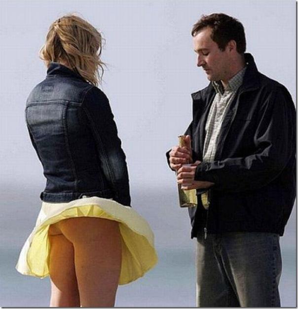 Belas garotas de mini saia   vento = Uma combinação perfeita (5)