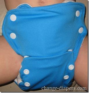 babykicks medium 3g diaper on 21 lb baby