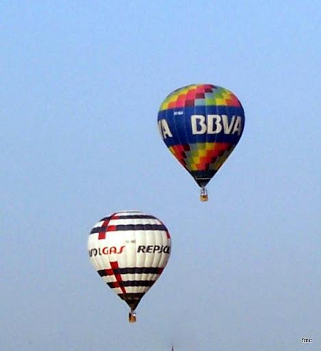 Dos globos Feria de Mayo