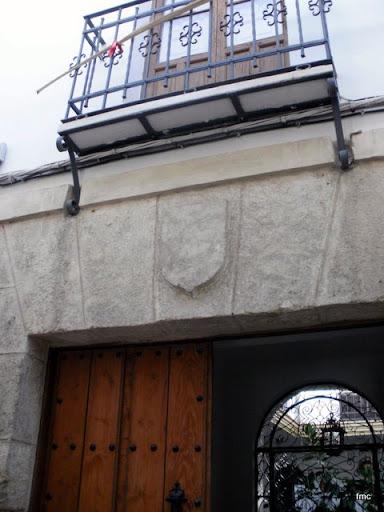 Escudo sin tallar casa nº 9 calle de La Palma
