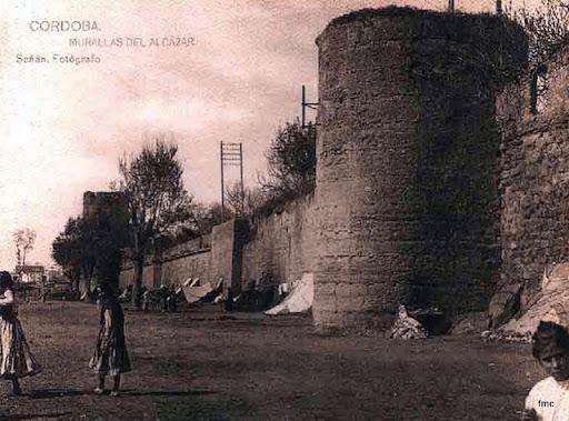 Paseo de la Muralla principios del siglo XX