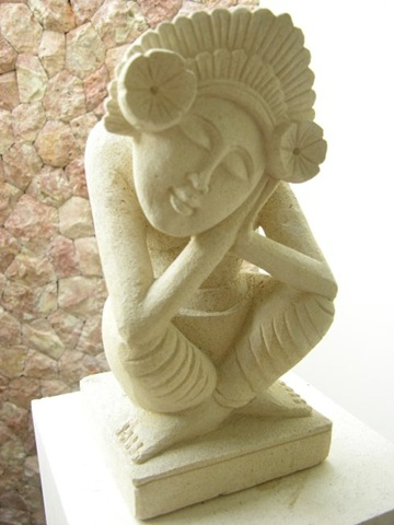 Small statue in one of the romantic luxury hotels in Ubud Bali