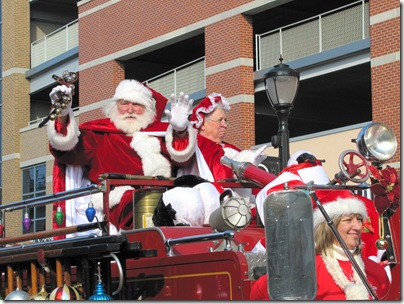 Santa Parade11-20-10ca