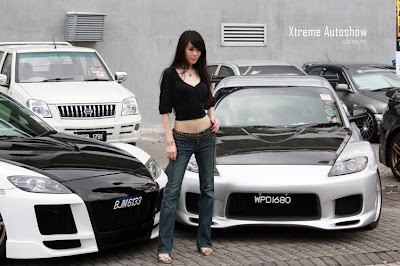 More Xtreme Autoshow Babes