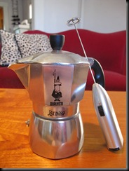 Brikka Pot with Frother Attachment