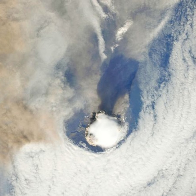 Stunning pictures of volcanic eruptions seen from space