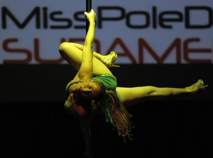 miss-pole-dance (8)
