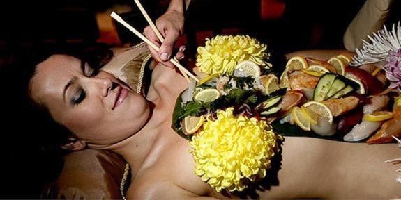 naked-body-sushi (10)