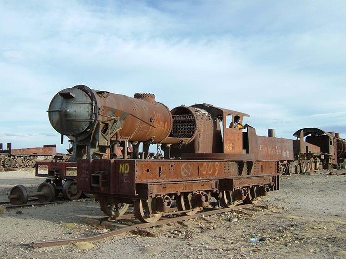 train-graveyard4