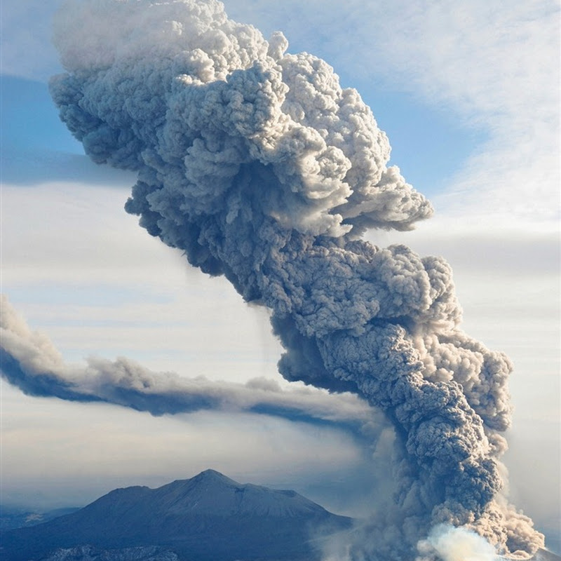Eruption of Shinmoedake Volcano