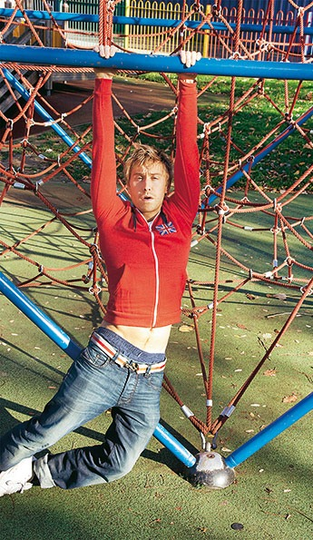 now-russell-howard-023