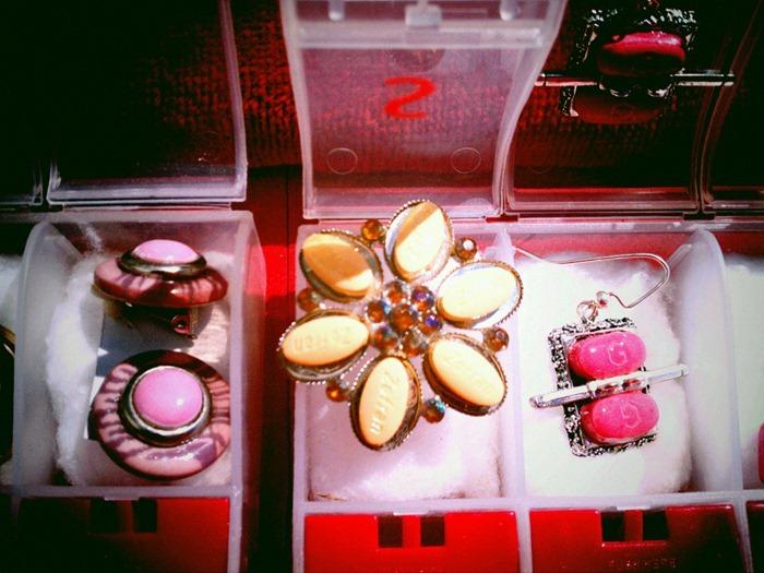 pill-jewelry4