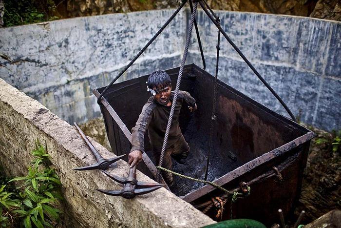 India-Child-Coal.18