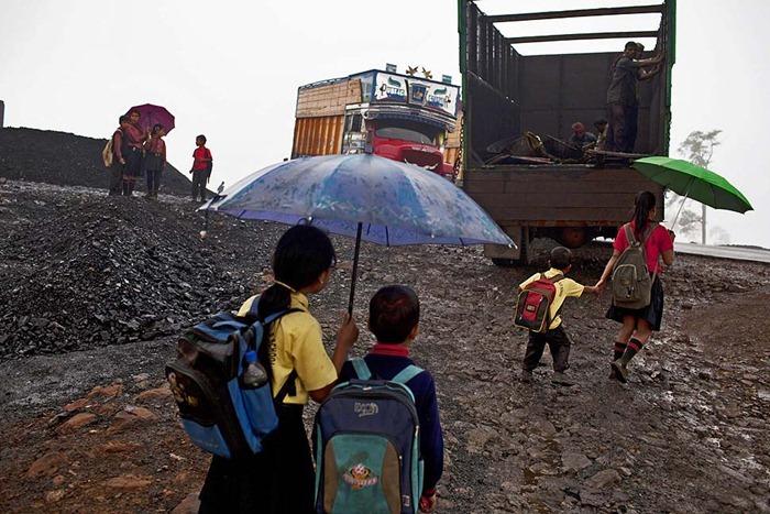 India-Child-Coal.22
