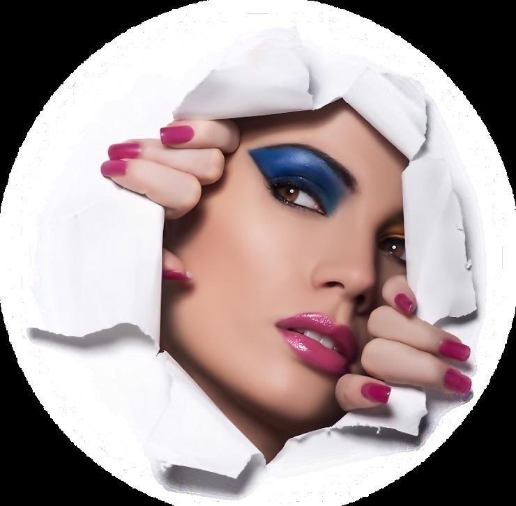 Foto de rosto de mulher maquiada rasgando a tela M