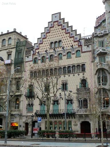 Casa amatller barcelona modernista i singular - La casa de las lamparas barcelona ...