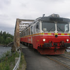 Inlandsbanan train on troll bridge.JPG