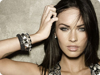 megan-fox-2009-cwps-02