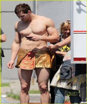 kellan-lutz-loincloth-shirtless-10