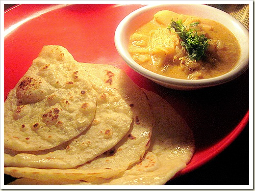 Naan with aloo kurma 1