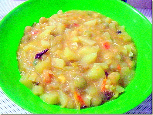 Simple aloo peas kurma 1
