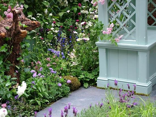 english-country-garden-trellis