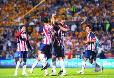 Chivas de Guadalajara es el lider del Bicentenario